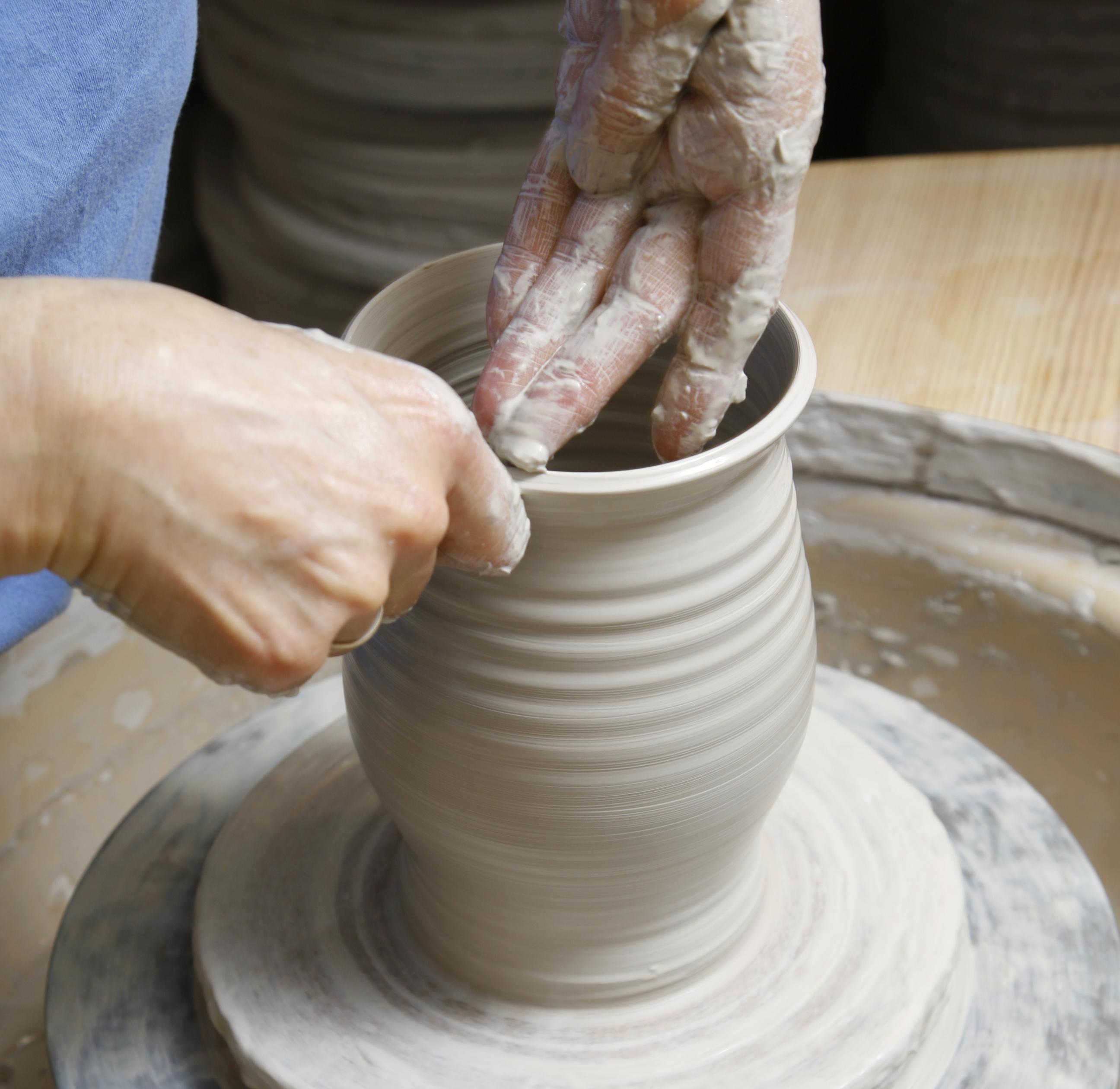 Lage keramikk